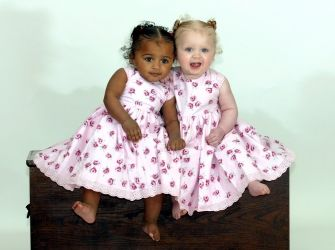 Identical Twins With Different Races Little Miracles Tvsa