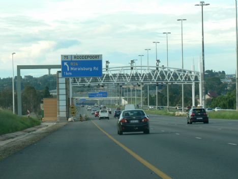 opinion on e tolls An economist says that south africans are short sighted when it comes to the implementation of e-tolls on gauteng's freeways.