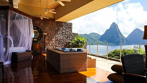 Amazing Hotels: Life Beyond the Lobby 3